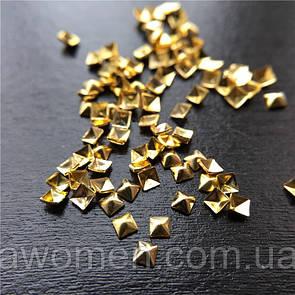Металлические заклепки для ногтей 100 штук (квадратные золото)