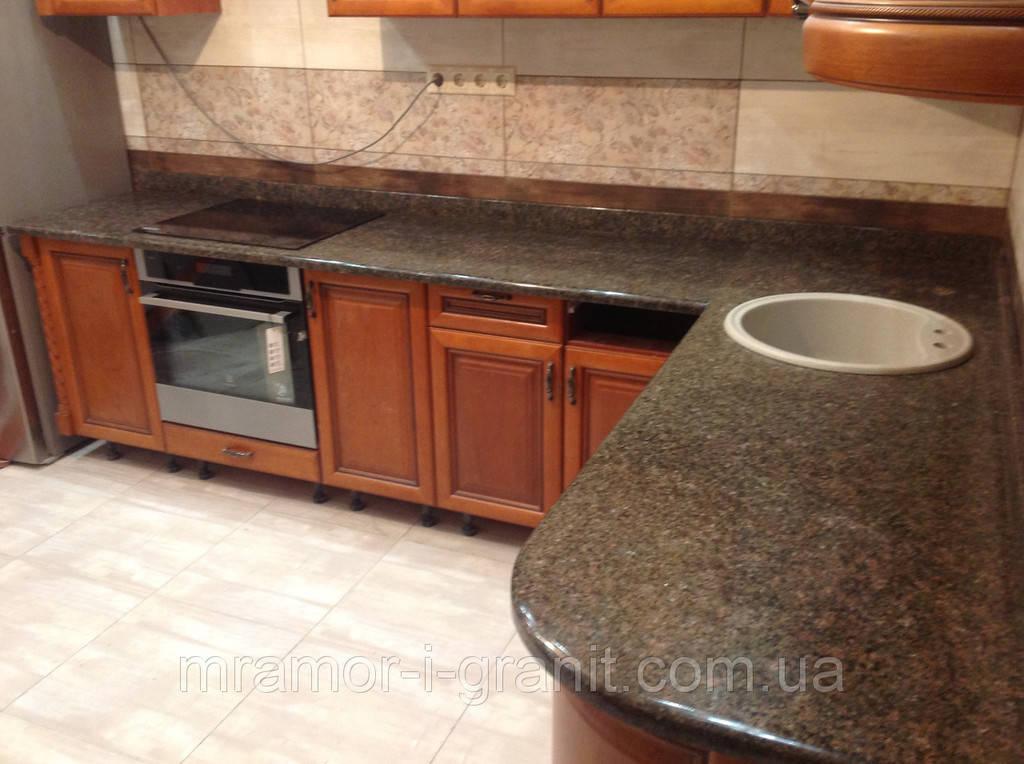 Кухонная столешница из Васильевского гранита