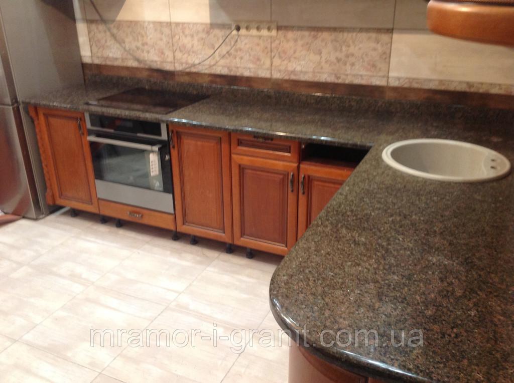 Кухонная столешница из Васильевского гранита 2