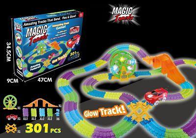 Детский гоночный трек Magic Tracks 8225 светящийся