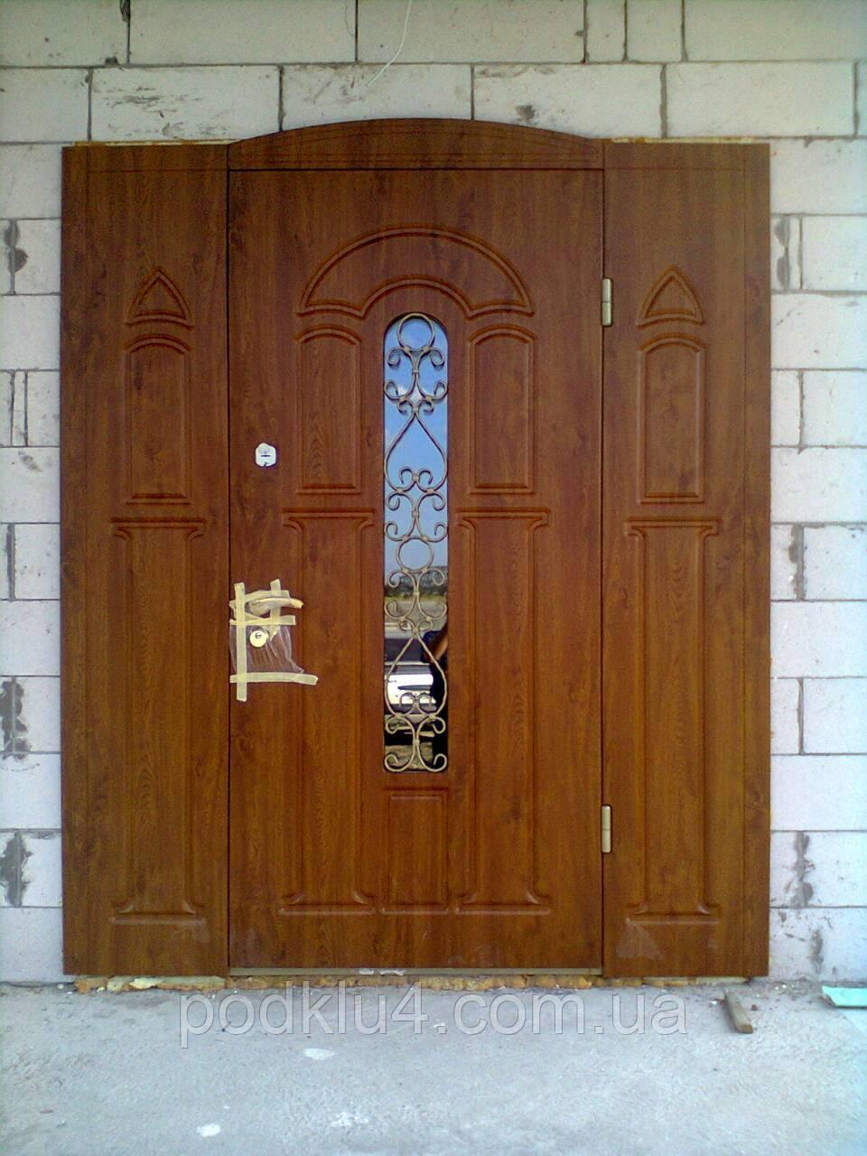 Нестандартные входные двери для коттеджей