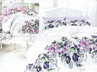 Красивый комплект постельного белья с цветами семейного размера