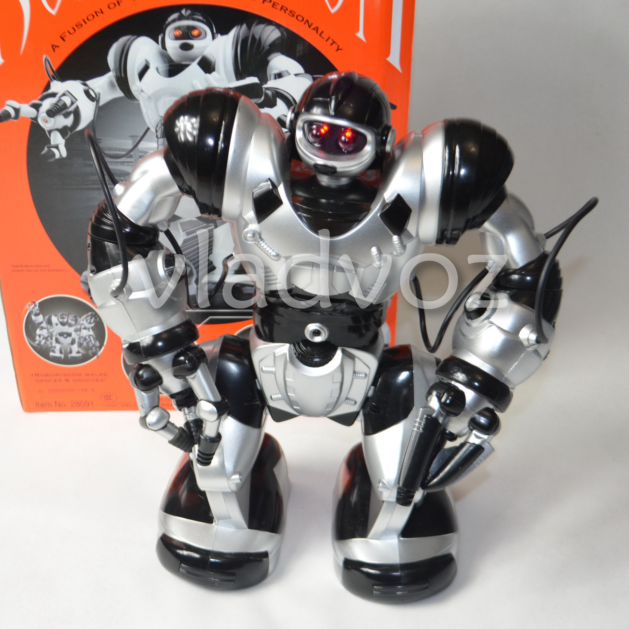 Робот на пульте управления радиоуправляемая игрушка Robowisdom серебристый