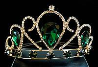 Диадема корона зеленые кристаллы на металлическом обруче, высота 5,5 см, золотистая
