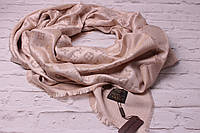 Хит сезона! Пудровые тона люрексовый палантин-шаль  Louis Vuitton беж вышит золотой нитью