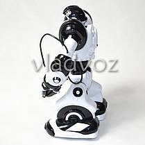 Робот на пульте управления радиоуправляемая игрушка Robowisdom белый с черным, фото 3