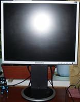 "Монитор 19"" Samsung 940FN LS19HAPASQ Серебристый"