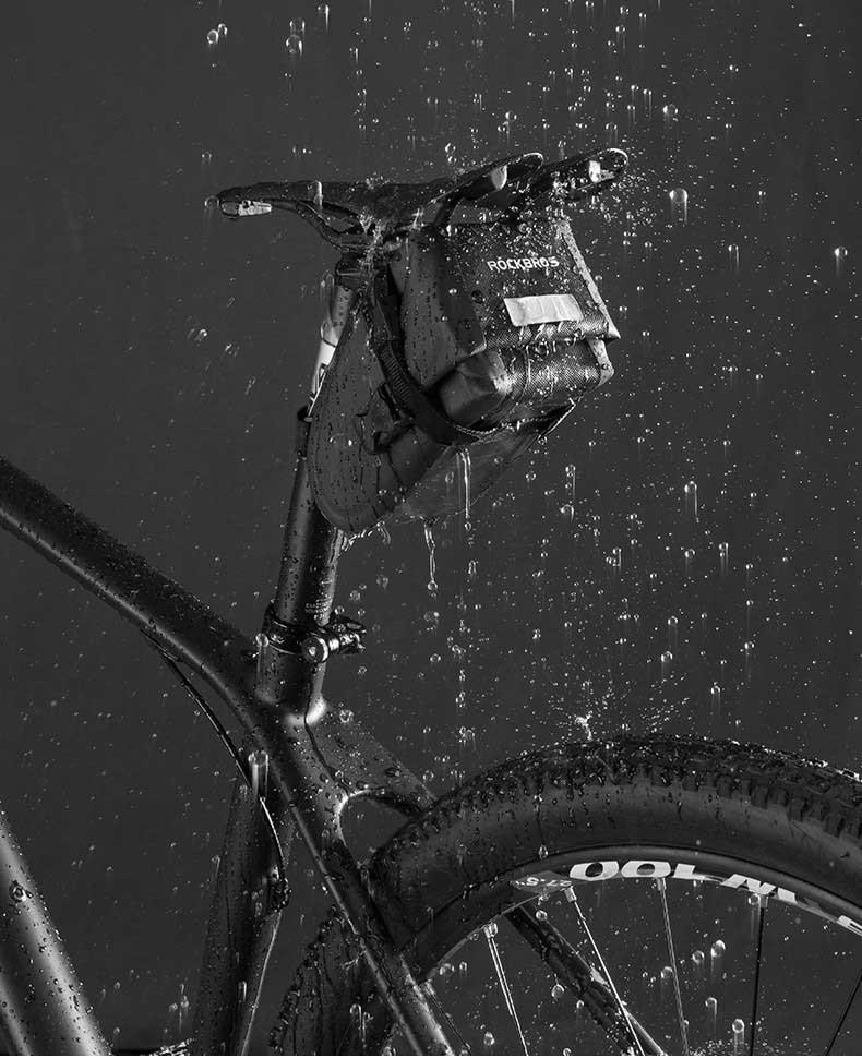 Сумка подседельная RockBros водонепроницаемая черная