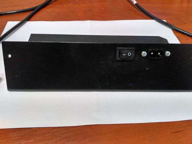 Вид сзади ультрафиолетового детектора