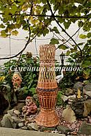 Плетеная ваза под цветы в интерьере