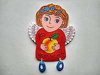"""Панно """"Ангелик з яблучком"""" (червоний, світле волосся)"""