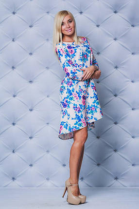 Молодежное платье свободного кроя принт бежевые цветы, фото 2