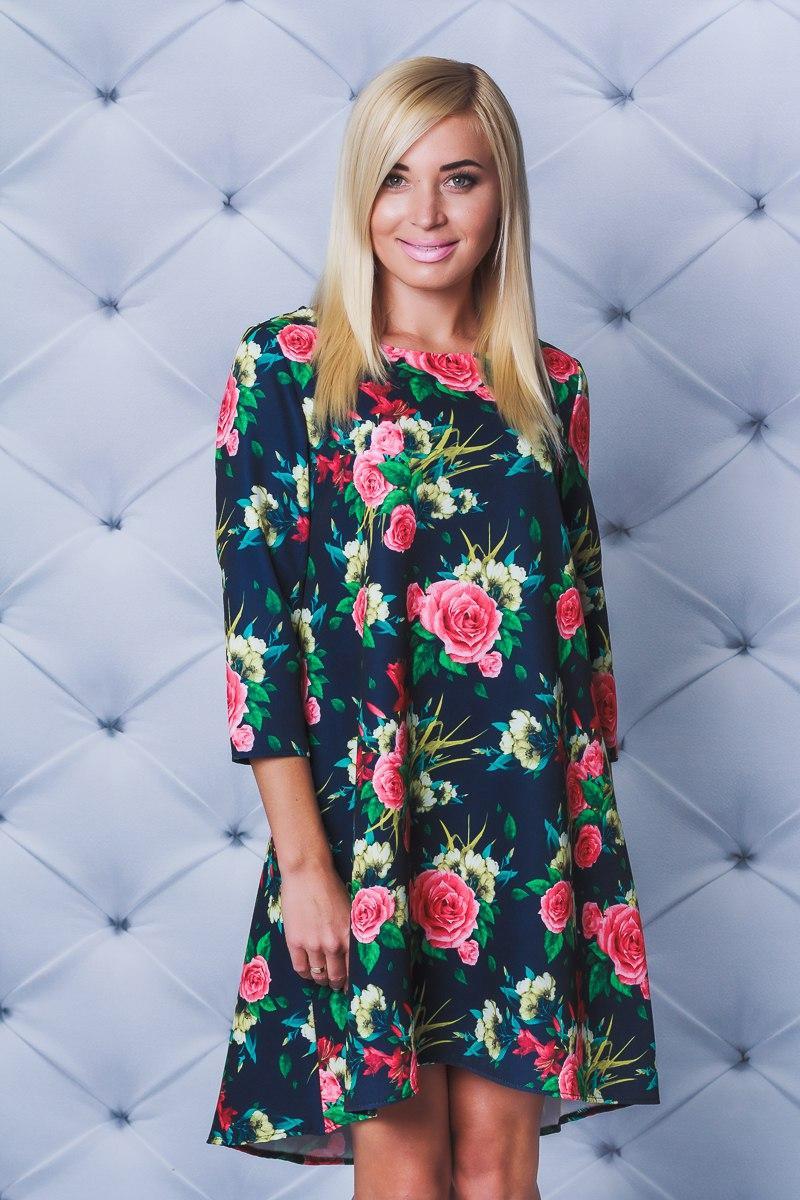 Молодежное платье свободного кроя принт  Розы