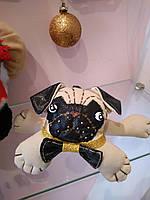 Талисман 2018 года собака мопс