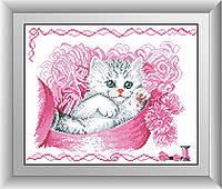 30572 Кошечка в коробке. Dream Art. Набор алмазной живописи (квадратные, полная)