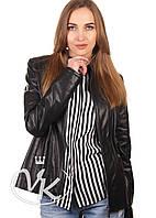 Черная кожаная куртка короткая