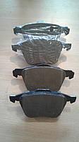 Передние тормозные колодки на VOLVO S60/S80/V70/XC70/XC90/STARLINE BDS371