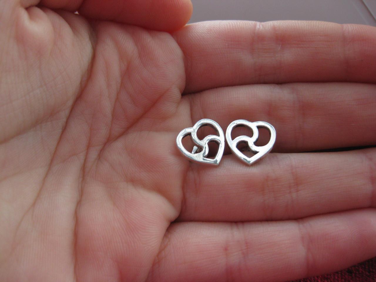 Пусеты-триксель сердце, Серьги-пуссеты на винте 1 см, БДСМ символика, ручная работа