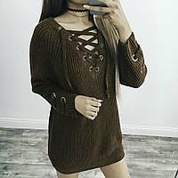 Женский удлинённый свитер туника с колечками на шнуровке хаки