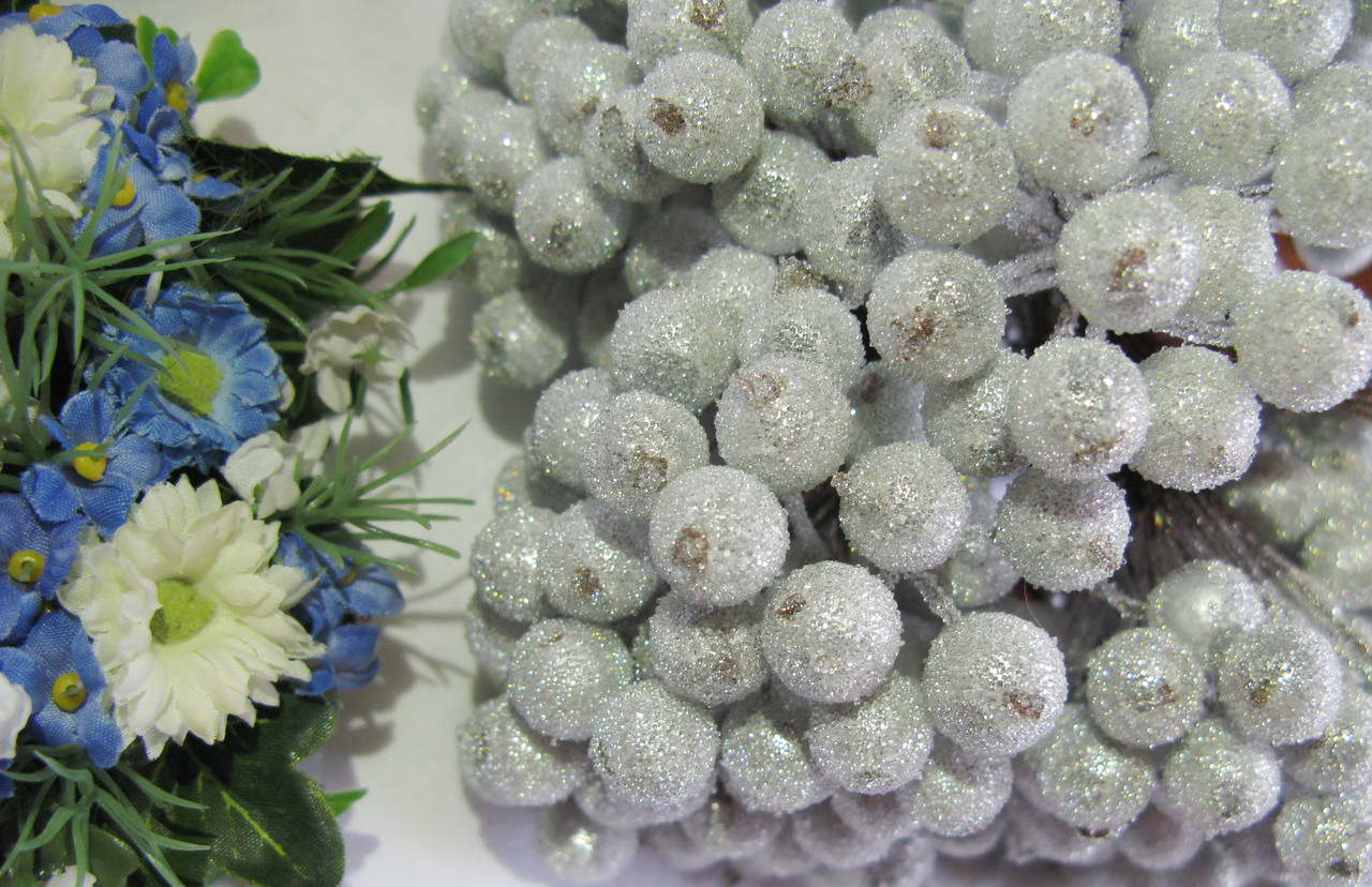 Сахарные ягоды серебро 40 шт
