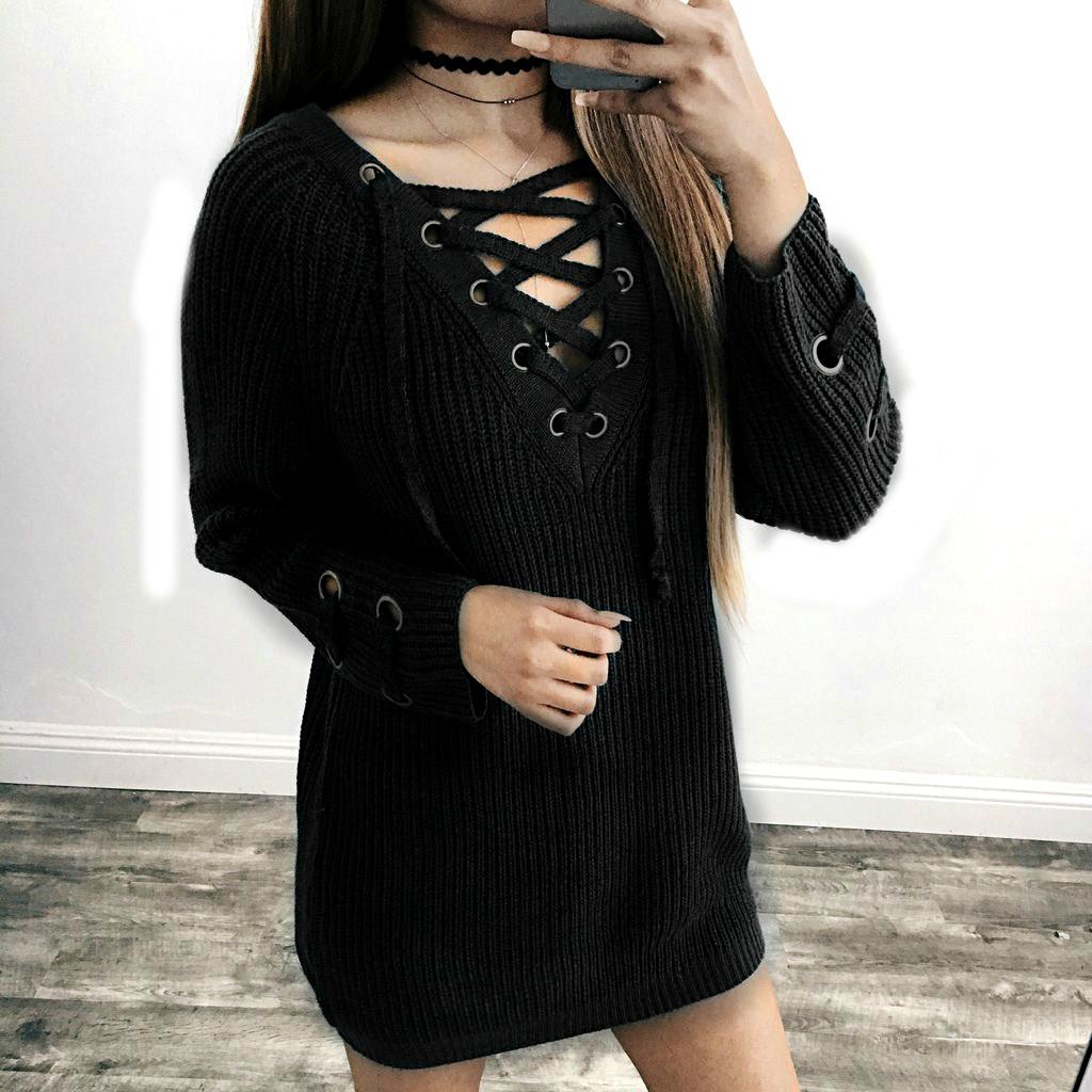 Женский удлинённый свитер туника с колечками на шнуровке черный