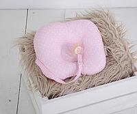 Детская подушка для новорожденных с держателем, горошек на розовом