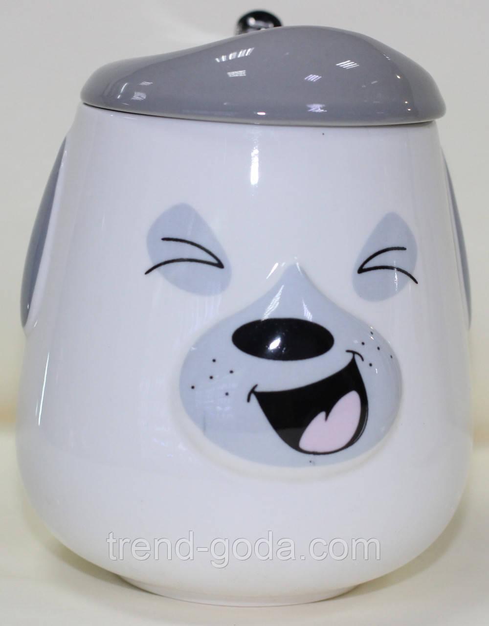 Кружка керамическая с крышкой и ложкой, серая Собака
