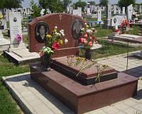 Памятник на двоих из красного гранита № 012