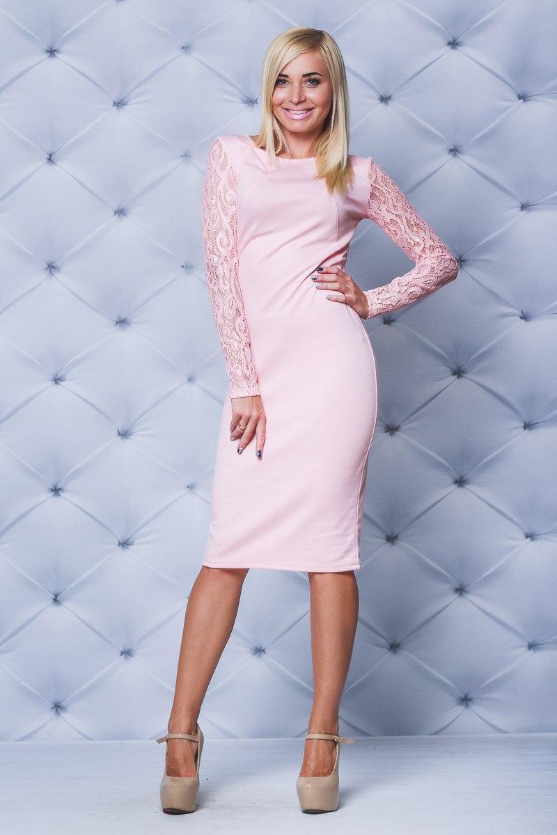 Шикарное трикотажное платье персик