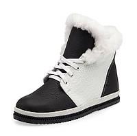 Женские зимние кожаные ботинки белые с чёрным цветом с шнурками на термопластичной подошве