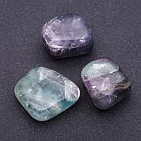 Натуральный камень Флюорит  кусочки разные р-р 2,5х2см +-
