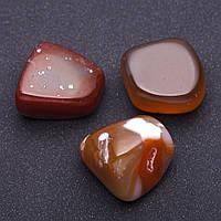 Натуральный камень Сердолик  кусочки разные р-р 2,5х2см +-