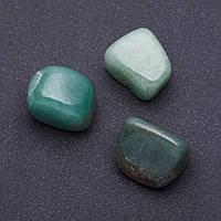Натуральный камень Нефрит  кусочки разные р-р 2,5х2см +-