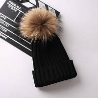 Женская теплая вязаная шапка с меховым бубоном (помпоном) черная, фото 1
