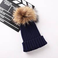 Женская теплая вязаная шапка с меховым бубоном (помпоном) темно синяя