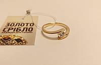 Кольцо золотое со вставками, б/у, вес 3.37 грамм, размер 19.