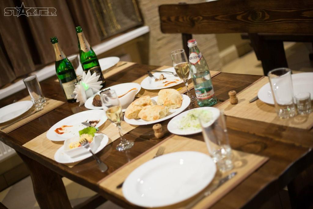 Деревянная мебель для ресторанов, баров, кафе в Кременчуге