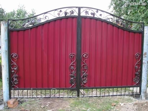 Изготовление ворот из профнастила