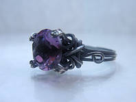 Серебряное кольцо с фиолетовым аметистом