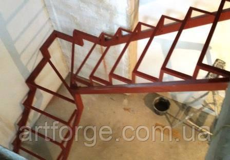 Каркас лестницы поворотно-забежной 90гр.