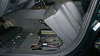 Замена аккумулятора (под сиденьем)