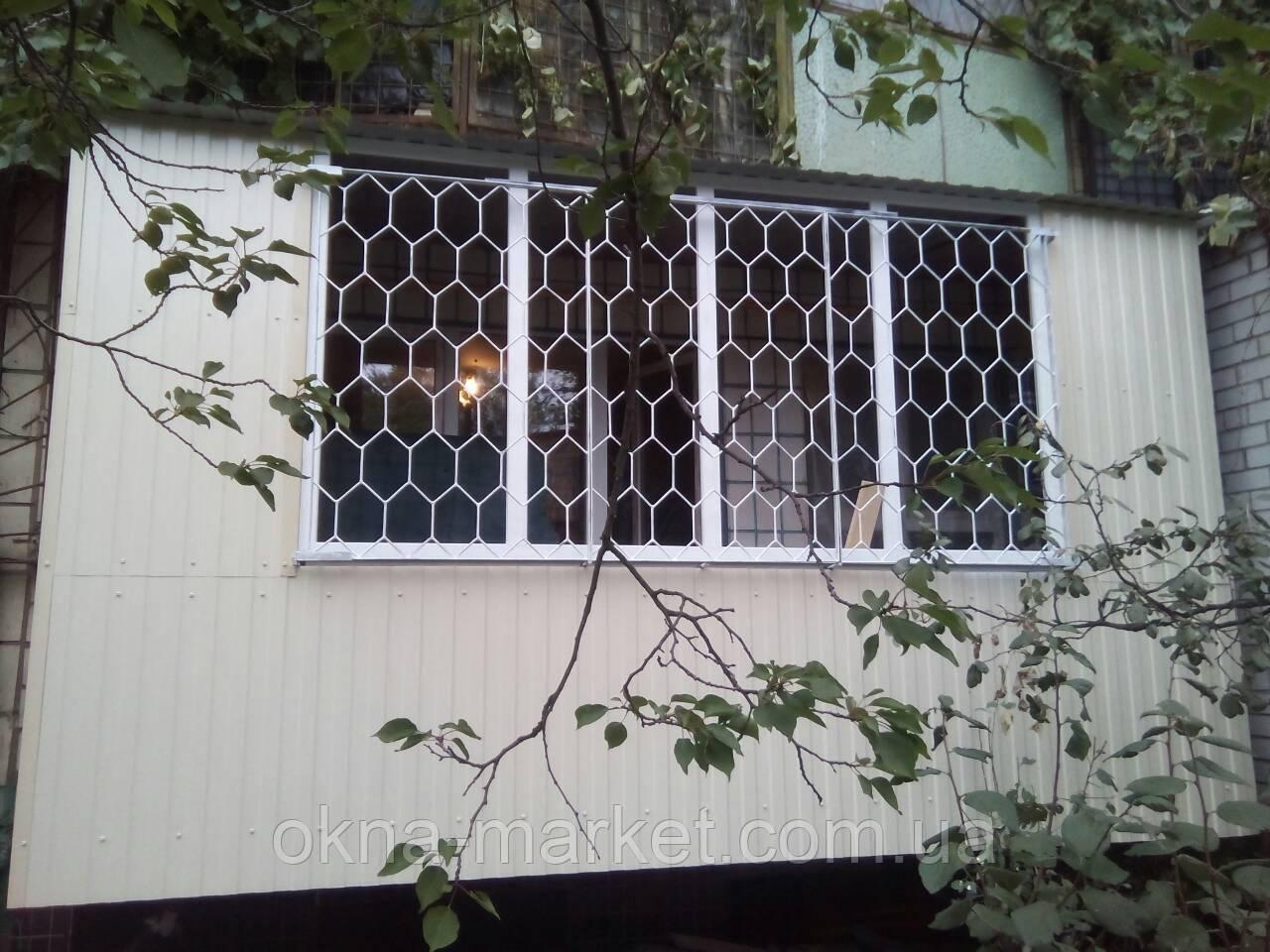 Обшивка балконов профнастилом