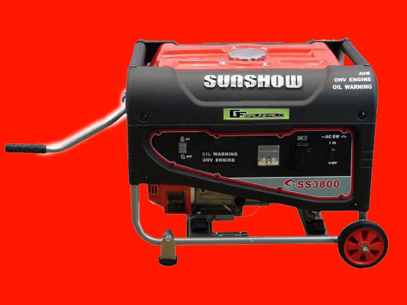 Бензиновый генератор на 2,6 кВт SUNSHOW SS3800