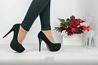 Женские чёрные туфли на каблуке