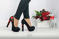 Женские чёрные туфли замшевые на каблуках Rose