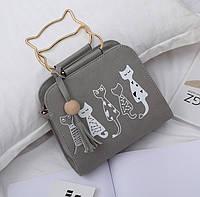 Маленькая вместительная женская сумка котик серая через плечо
