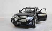Коллекционная машинка Toyota Land Cruiser металлическая модель в масштабе 1:24