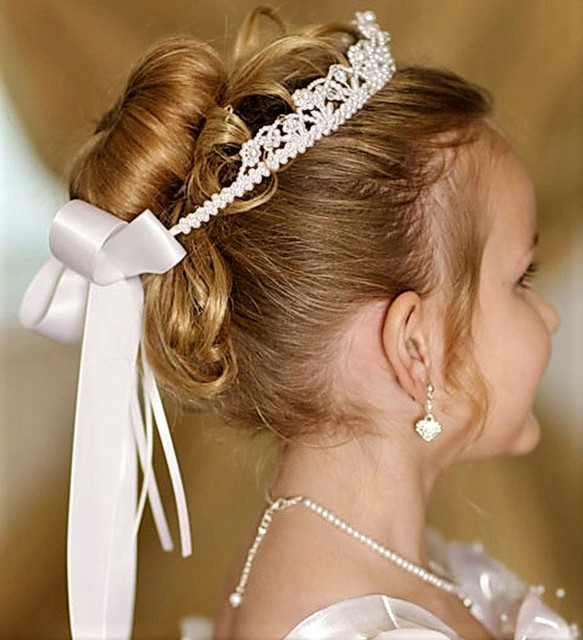 Диадемы, короны, вуалетки для девочек