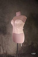Корсет  платья с глубоким вырезом телеснного цвета