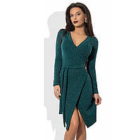 Зеленое платье на запах из трикотажа с люрексом
